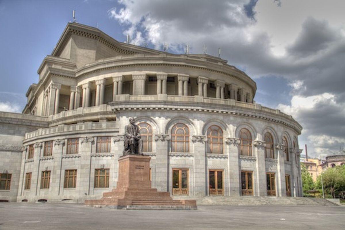 سالن اپرا در ایروان