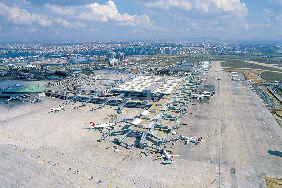 فرودگاه آتاتورک در استانبول