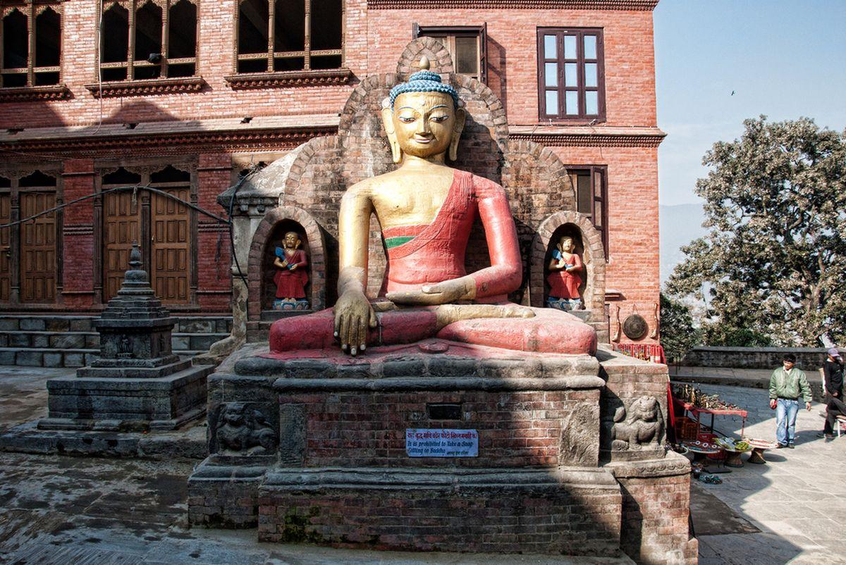 معبد سوآیام بانات در کاتماندو