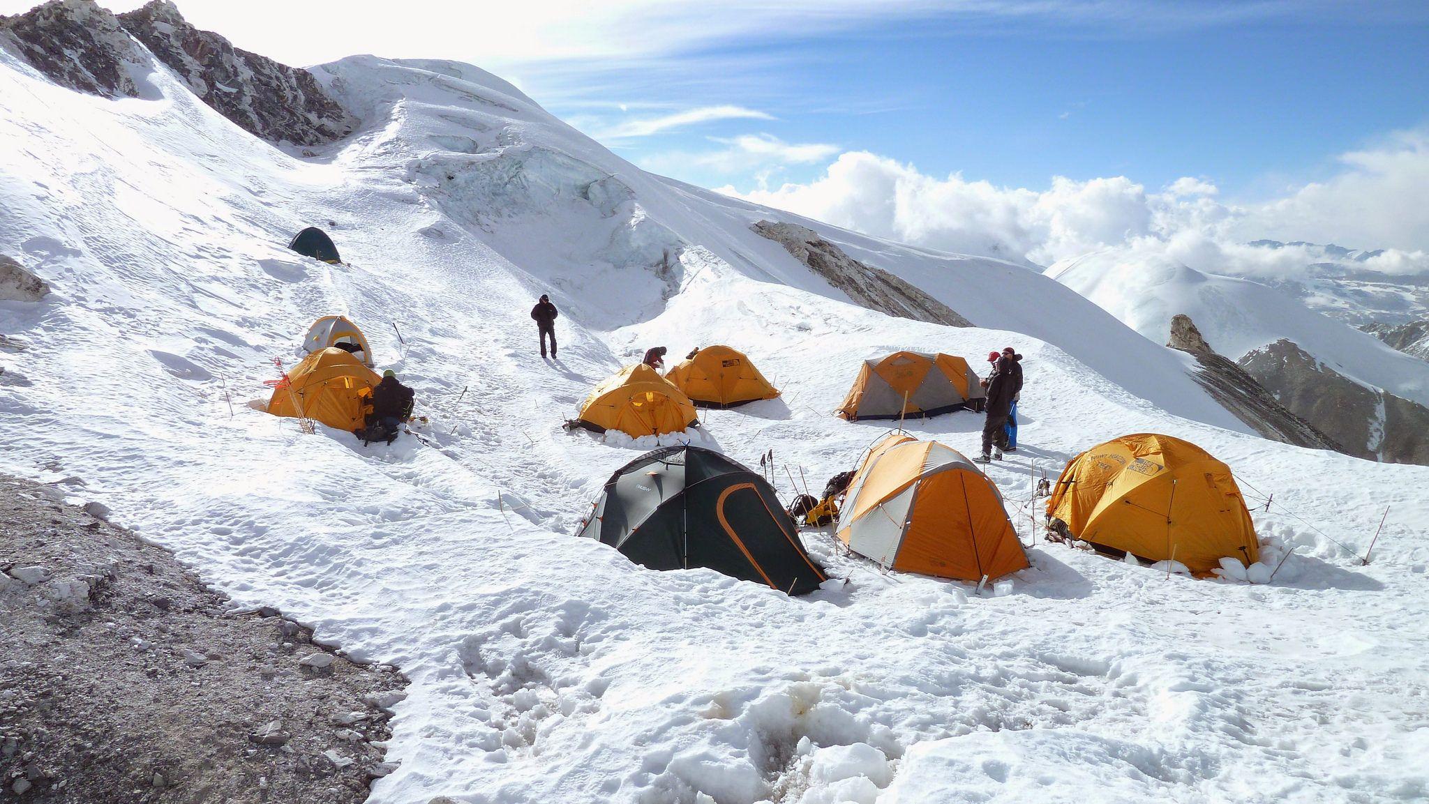 کمپ کوهنوردی در نپال