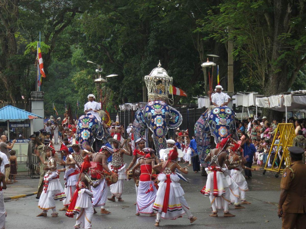 فستیوال پراهرا در کندی سریلانکا