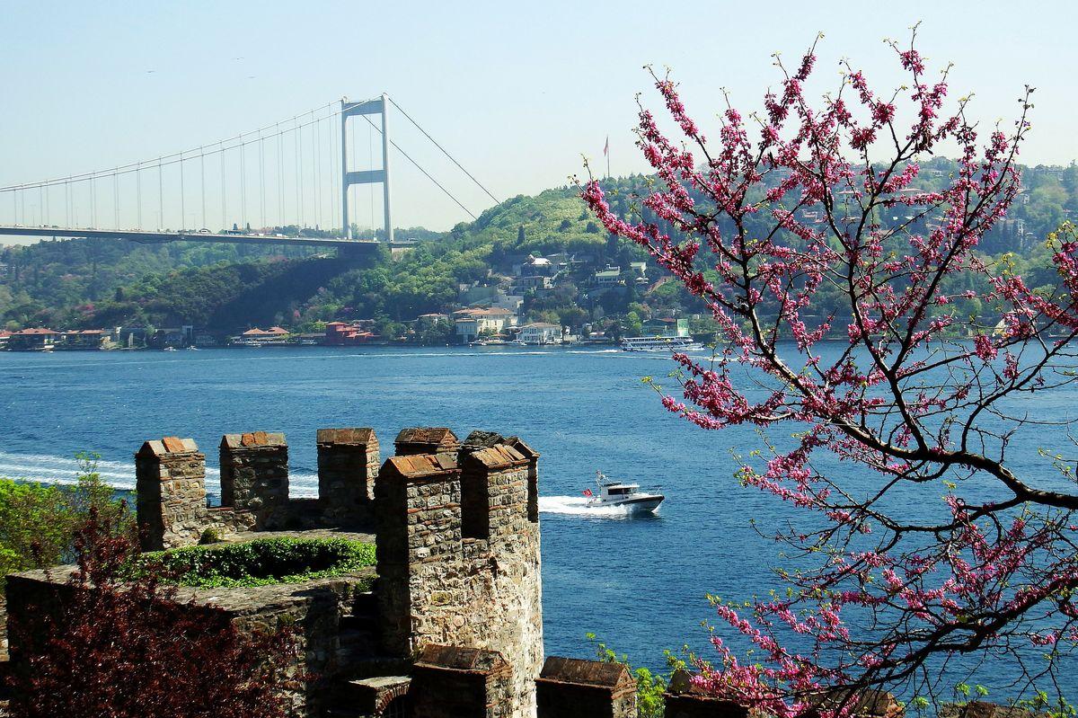 پل بسفور در استانبول
