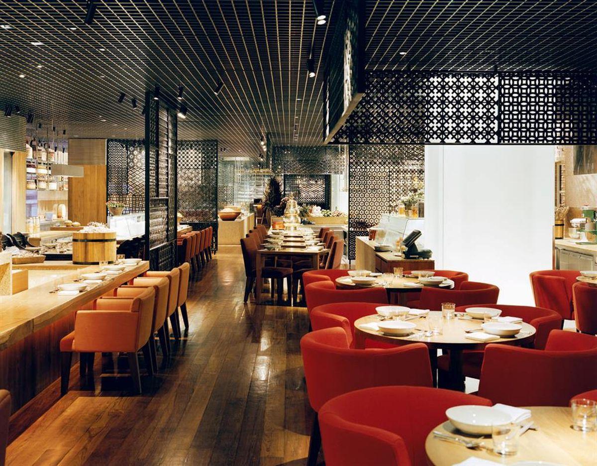 رستوران در نهاترانگ
