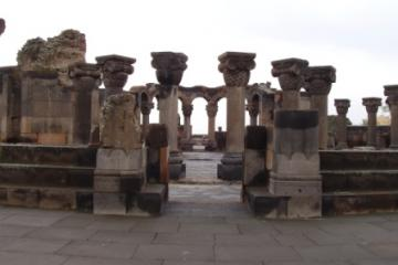کلیسای جامع زوارتنوتس در ایروان - ارمنستان