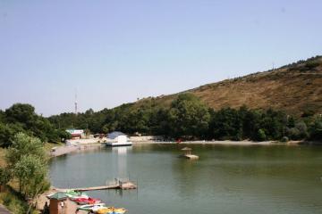 دریاچه تورتل در تفلیس