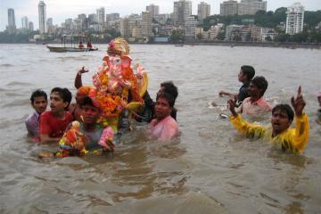 منطقه ساحلی گیرگاوم چُپاتی  در بمبئی - هند