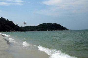 ساحل Teluk Cempedak در کوآنتان