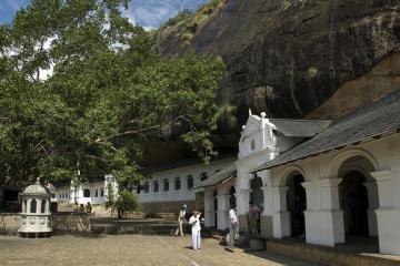 معبد غار دمبولا - سریلانکا