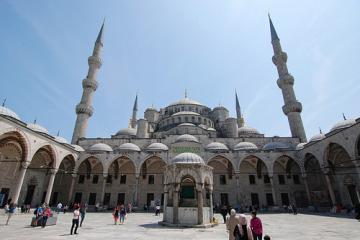 نمای کلی مسجد سلطان احمد