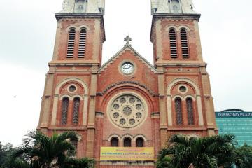 کلیسای جامع نوتردام سایگون در هوشی مین - ویتنام