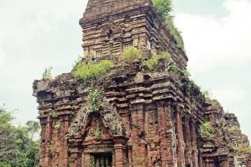 مجموعه معابد «مای سُن» در هوی آن - ویتنام
